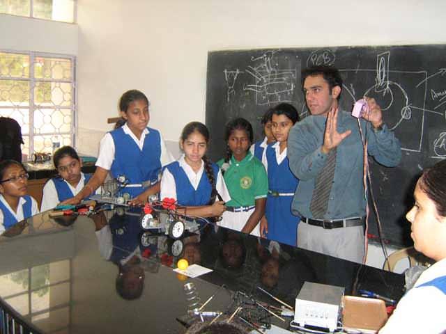 robotics training and workshop in school
