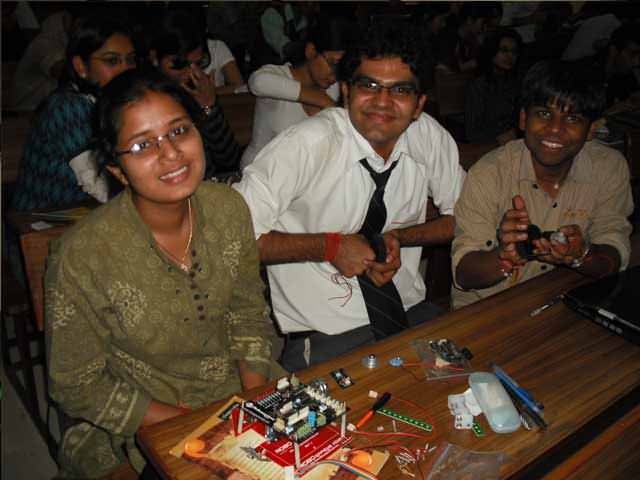 learn and assemble robots in dehradun