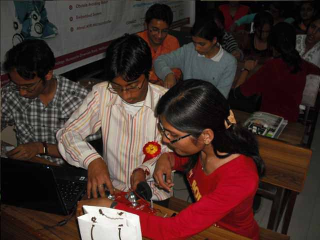 robosapiens college robotic workshop