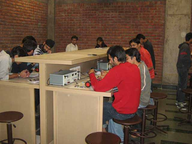 How to find advance level robotic training in Himachal Pradesh?