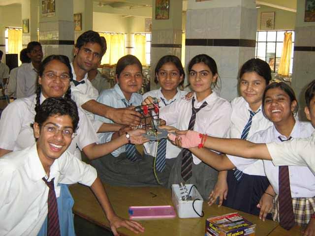 robotics workshop in city Montessori school