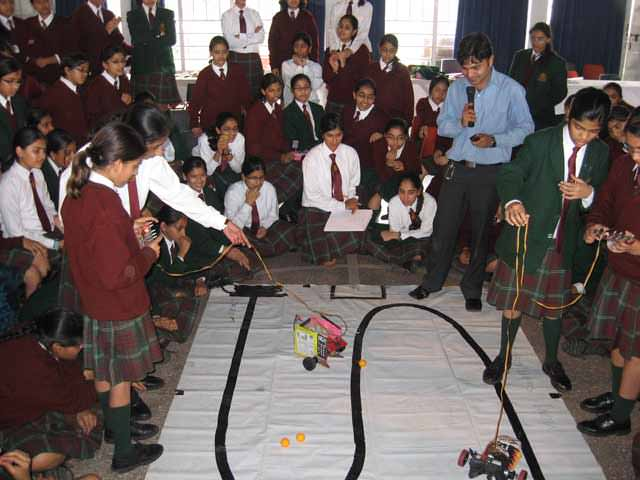 how to find line follower robots training in Mussoorie, India?